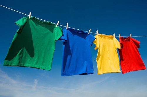 Mách bạn cách giặt áo thun mới mua đúng cách